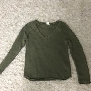 Light weight olive green sweater